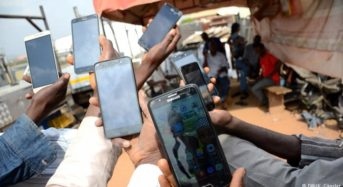 Elections in Nigeria: Smartphone, truth and lies