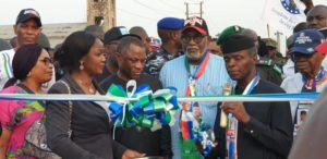 Vice President Prof.Yemi Osinbajo,SAN commissioning NDPHC/NIPP Distribution intervention Projects which deliver power to the people of Southern Senatorial District of Ondo state recently. With him are the Executive Governor of Ondo state, Arakurin Rotimi Akeredolu and Executive Director , Engineering & Technical Services, NDPHC, Mr. IfeOluwa Oyedele.