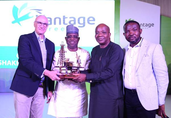 L-R: Deep-water Wells Operations Manager, Shell Nigeria Exploration and Production Company Limited (SNEPCo), Mark Koper; SNEPCo's Managing Director, Bayo Ojulari; Chairman Julius Berger, Mutiu Sunmonu; and Chief Executive Officer, Vantage Screens Nigeria, Oladipo Adebo at the unveiling of Vantage Screens Nigeria Limited and presentation of recognition award to Shell for its support to local service companies…on Friday in Lagos.