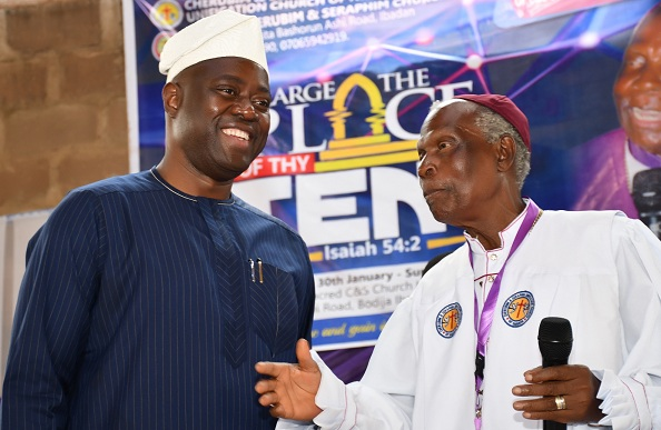 Oyo State Governor, Engr Seyi Makinde (left) and Supreme Head, Cherubim and Seraphim Unification Church of Nigeria, Prophet Solomon Adegboyega Alao during the Annual General Conference of C&S Unification Church held at Ashi, Ibadan. PHOTO: Oyo State Government.