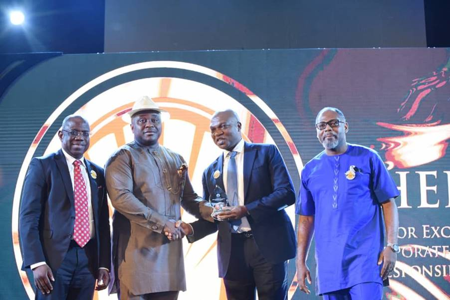 L-R: Managing Director, Shell Nigeria Exploration and Production Company, Bayo Ojulari; Chairman Senate Committee on Petroleum Resources Upstream, Albert Akpan; Managing Director, Shell Petroleum Development Company and Country Chair, Shell Companies in Nigeria, Osagie Okunbor; and Managing Director, Shell Nigeria Gas, Ed Ubong, at the presentation of the Excellence in Corporate Social Responsibility Award to Shell Companies in Nigeria at the 2020 edition of the Nigeria International Petroleum Summit in Abuja on Monday.