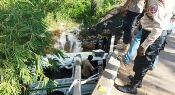 Vehicle Plunges Into Ulasi River In Ihiala Anambra State