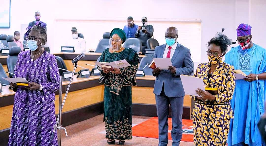 L-R: Lagos State Governor, Mr. Babajide Sanwo-Olu and newly appointed Chairman of Audit Service Commission, Mrs. Oluwatoyin Adegbuji-Onikoyi, during the swearing-in of the Commission members at EXCO chamber, Lagos House, Alausa, Ikeja, on Tuesday, July 28, 2020.