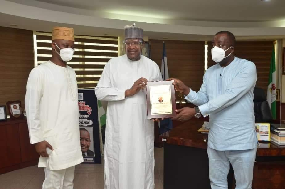 L-R: Executive Secretary, Association of Telecoms Companies of Nigeria (ATCON),  Ajibola Olude; Executive Vice Chairman/CEO, Nigerian Communications Commission (NCC),  Prof.  Umar Garba Danbatta and ATCON President,  Olusola Teniola during the presentation of the award in Abuja.
