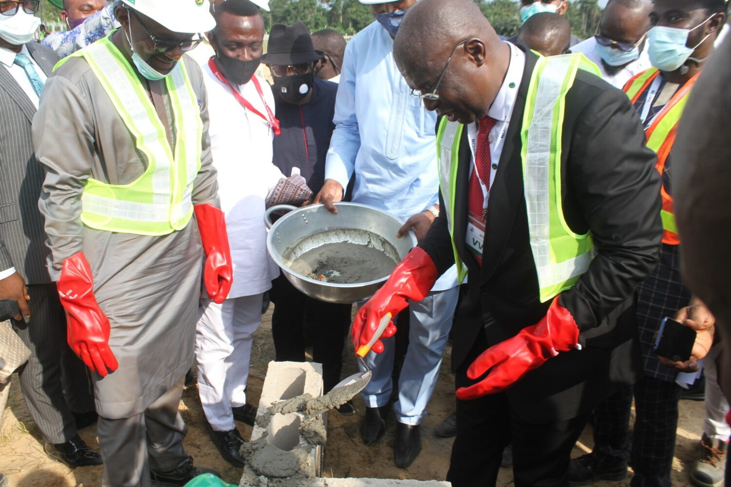 Minister of State for Petroleum Resources, Chief Timipre Sylva performing the groundbreaking of the Rungas LPG Composite Cylinder Manufacturing plant, located inside the NCDMB Gas Hub at Polaku community, Bayelsa state.