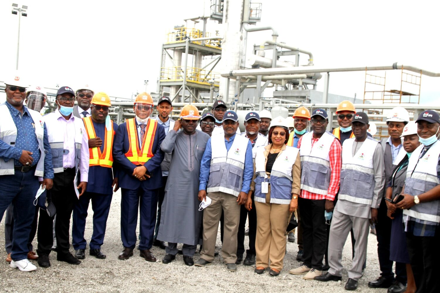 L-R Sarki Auwalu(Middle), Director/Chief Executive, Department of Petroleum Resources(DPR) with his team and management of WalterSmith Petroman Oil Ltd, after final pre commissioning visit where DPR declared the 5,000 barrels per day(bpd) WalterSmith Modular Refinery excellent and good to go in Ibigwe, Imo state recently.....
