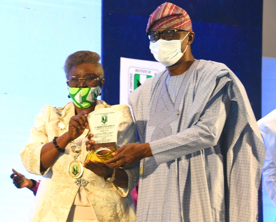 President/Chairman, Chartered Institute of Taxation Of Nigeria (CITN), Dame Gladys Olajumoke Simplice presenting a plaque to the Lagos State Governor, Mr. Babajide Sanwo-Olu (right), during the 22nd Annual Tax Conference of the Chartered Institute of Taxation of Nigeria (CITN) at Eko Hotel & Suites, Victoria Island on Thursday, November 5, 2020.