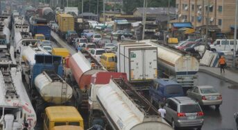 Apapa Gridlock: Wrongly Parked Trucks To Be Impounded By Lagos Government