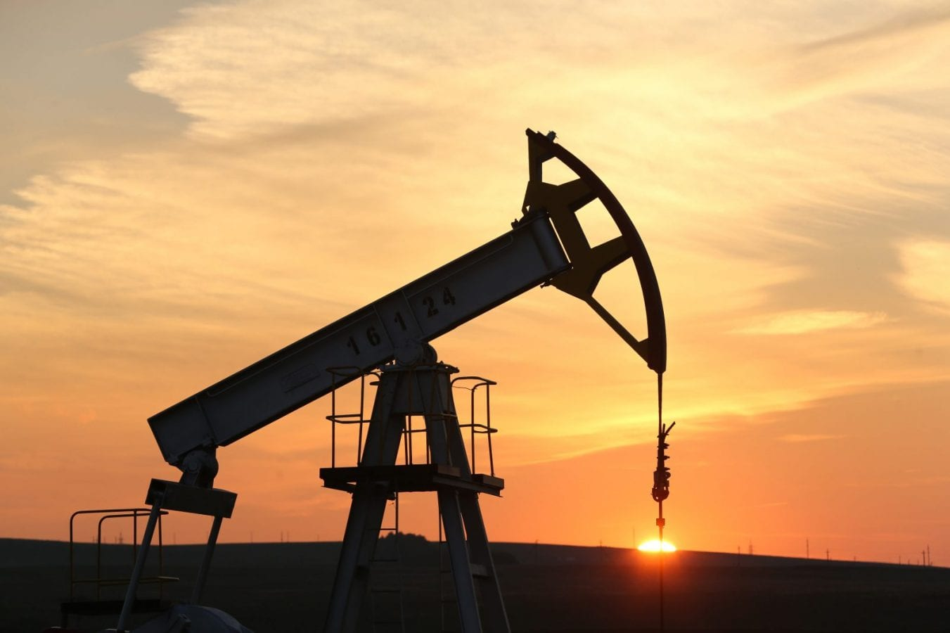 Nigeria Needs Strong Legislation To Rid Oil Industry Of Fraud- Experts